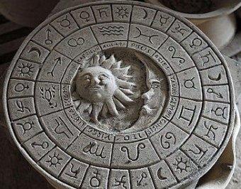 """Астрологи и шаманы пообещали россиянам """"ужасный"""" 2011 год"""