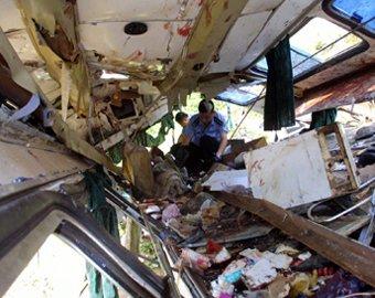 Количество жертв при аварии автобуса в Малайзии достигло 26 человек