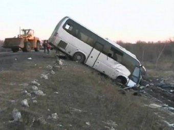 Рейсовый автобус столкнулся с фурой в Ростове-на-Дону