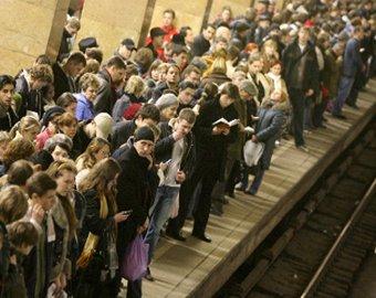 Студентка бросилась под поезд в московском метро