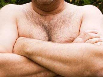Ученые: от кофе и орехов у мужчин растет грудь