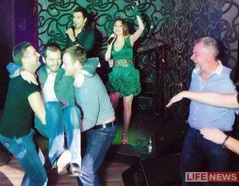 СМИ обнародовали фотодоказательства связи прокурора Московской области с игорным магнатом