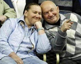"""Батурина: чиновники завидовали Лужкову """"из-за богатой жены"""""""