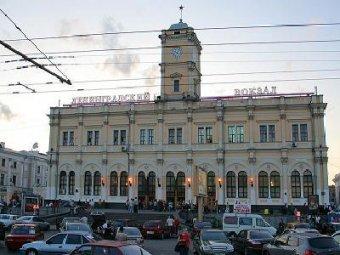 В Москве ищут бомбу на всех 9 вокзалах. Два вокзала эвакуированы