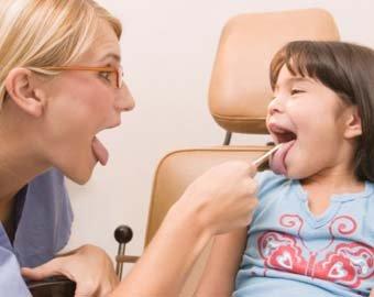 Врачи: Удаление гланд у детей может привести к ожирению