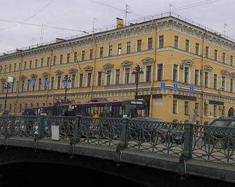 Петербургские полицейские сбросили задержанного с моста в реку