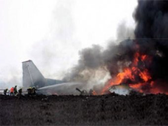 В Конго грузовой самолет упал на жилые кварталы: 19 погибших