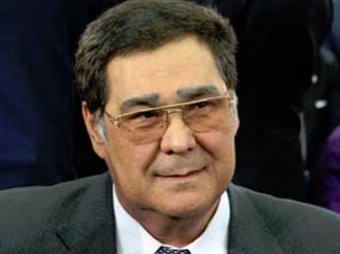Тулеев подал в суд на Зюганова за педофилов