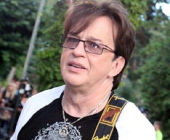 Скоропостижно скончался певец Александр Барыкин