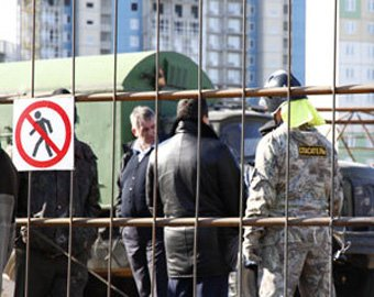 Третий пострадавший при падении крана в Красноярске скончался в больнице