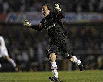 Рожерио Сени стал первым вратарем в мире, забившим 100 голов в карьере