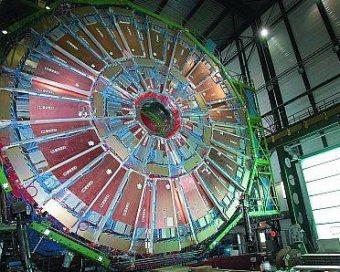 Ученые: адронный коллайдер может стать первой машиной времени