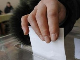 На выборах в Калининградской области кандидата облили зеленкой
