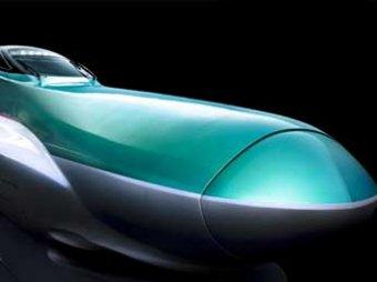 В Токио запустили самый длинноносый и роскошный поезд в мире