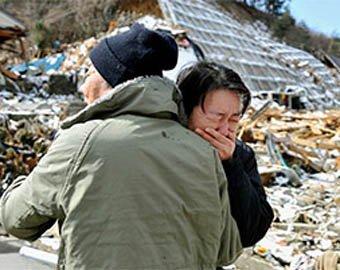 Японцы, пережившие цунами, умирают от воспаления легких