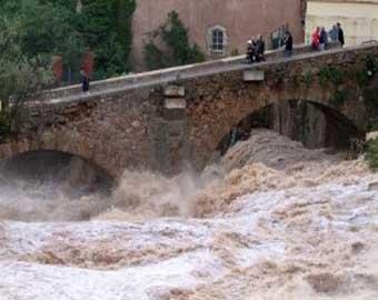 На юге Франции произошло сильное наводнение, есть жертвы
