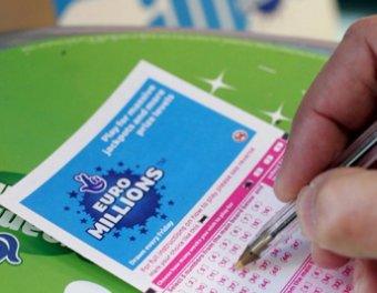 В США ищут счастливчика, выигрывшего в лотерею  млн