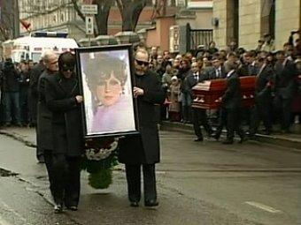 СМИ: похороны Людмилы Гурченко оплатил Тайванчик