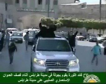 Каддафи на джипе переехал на джипе своего сторонника