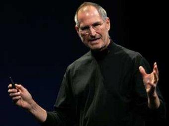 Стив Джобс прокомментировал слухи о том, что iPhone и iPad следят за своими владельцами