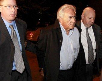 Обвиняемого в изнасиловании главу МВФ выпустили на свободу за  млн