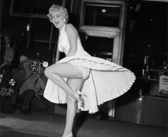 Легендарное развевающееся платье Мэрилин Монро продали за ,6 млн
