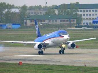 Самолет SuperJet сделал первый регулярный рейс Москва-Санкт-Петербург