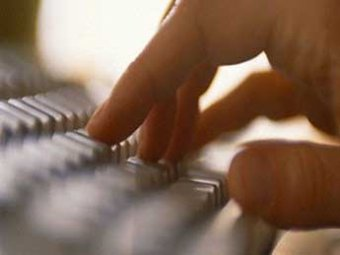 Хакеры похитили данные пользователей Apple и выложили часть данных в Интернет