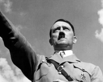 Сенсация: Британцы хотели превратить Гитлера в женщину