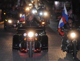 Путин породнился с байкерами