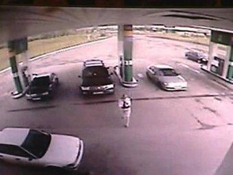 В Красноярске мужчина угнал машину с детьми