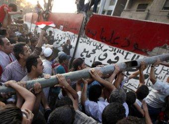 В Каире посольство Израиля взяли штурмом