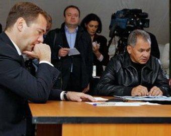 Медведев велел закрыть небезопасные авиакомпании