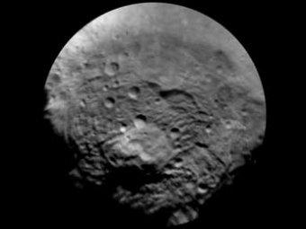 Астрономы разглядели на астероиде Веста гору, втрое выше Эвереста