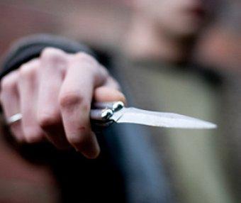 В Екатеринбурге ученик ударил ножом учителя в спину за замечание