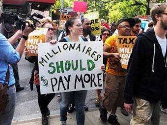 В США противники «финансового терроризма» устроили марш против миллионеров