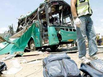 18 человек погибли при взрыве автобуса в Перу