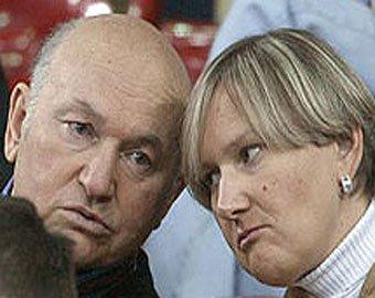 Следователи настоятельно рекомендовали Лужкову передать повестку Батуриной