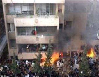В Сирии толпа штурмует иностранные посольства