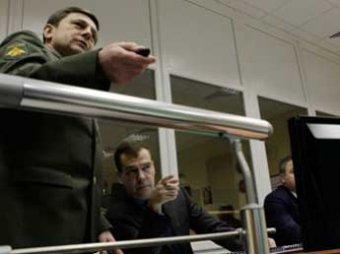 Медведев ввел в Калининграде радар и пригрозил Западу жесткими мерами противодействия