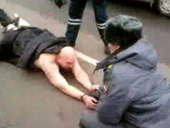 Участники задержания голого водителя уволены из полиции за … мат