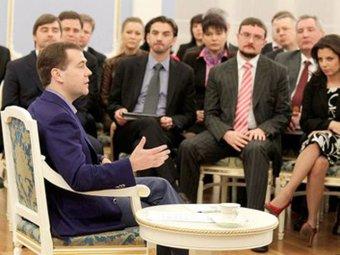 Медведев дал оценку разоблачительным роликам наблюдателей