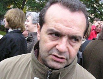 Митингующие в Питере освистели сатирика Шендеровича. В ответ он назвал их ублюдками
