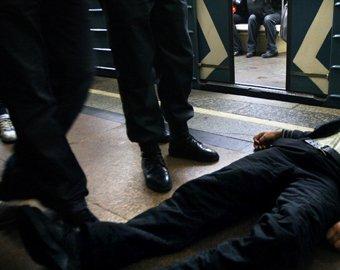 Москвич ранен в результате драки в метро