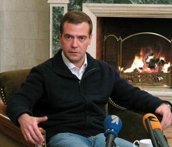 Вслед за Путиным Медведев в Сочи встретился с главредами СМИ