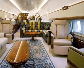 """Forbes: """"простые труженики"""", агитирующие за Путина, летают на бизнес-джете"""