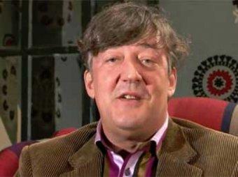 Стивен Фрай назвал питерских депутатов «фантастическими чудовищами»