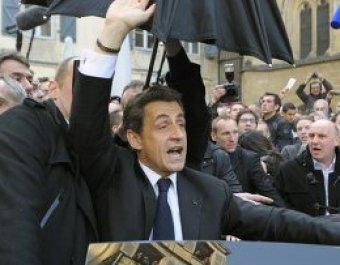 Саркози освистали и заплевали во время предвыборной поездки