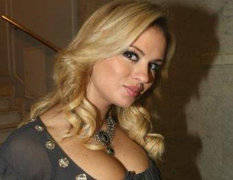 У Playboy украли фото обнаженной Семенович