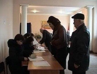 В Южной Осетии проходят повторные президентские выборы: на пост главы претендуют 4 кандидата